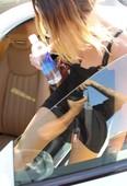 Miley Cyrus Upskirt Enseñando El Coño