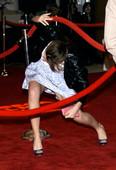 Emma Watson  (2 HQ)   Upskirt Tribeca Film Festival,  22 Abril 2012