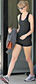 Taylor Swift Con Shorts MarcaChiChi, Cameltoe, 28 Abril 2013