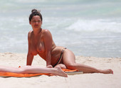 Kelly Brook Pillada En Topless, Cancún 16 Junio 2013